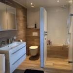 Flaviker houtlook badkamer