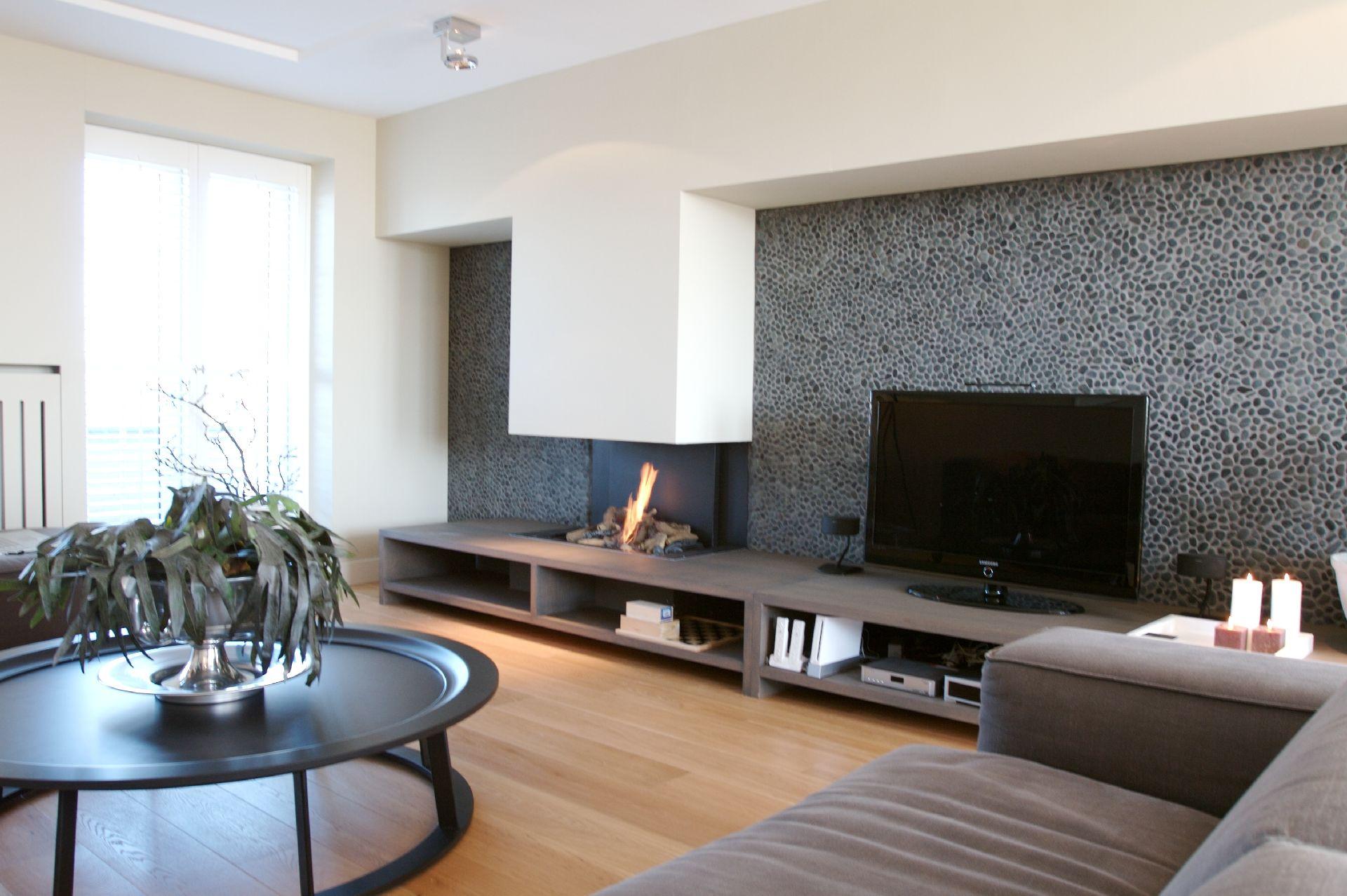 Woonkamer Inrichten Zonder Tv : Houtlook tegels woonkamer en badkamer ...